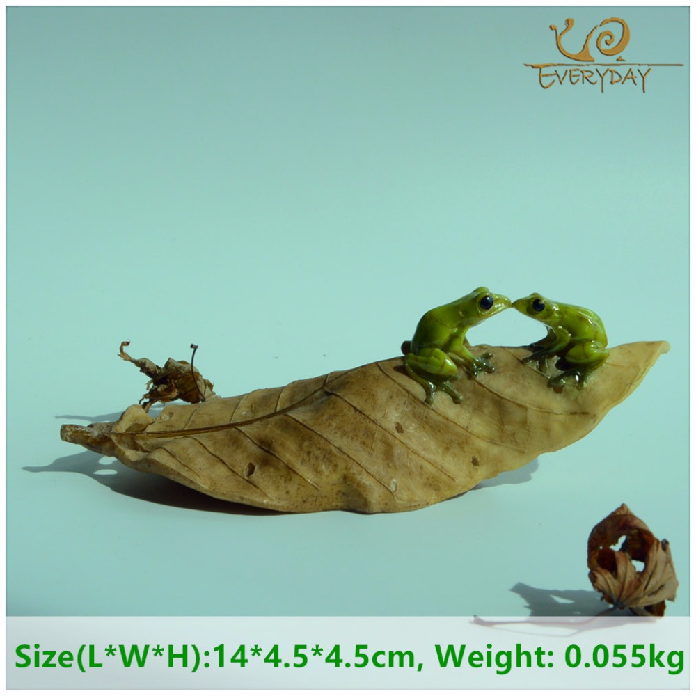 EVERYDAY COLLECTION micro mini animals garden miniature figurines frog on leaf animal Action Figure Toys ornament accessories