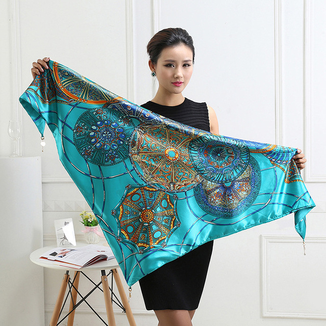 2015 Hot Sale Europe New Summer Triangle Scarf Silk Quality Multi Style Shawl Wholesale