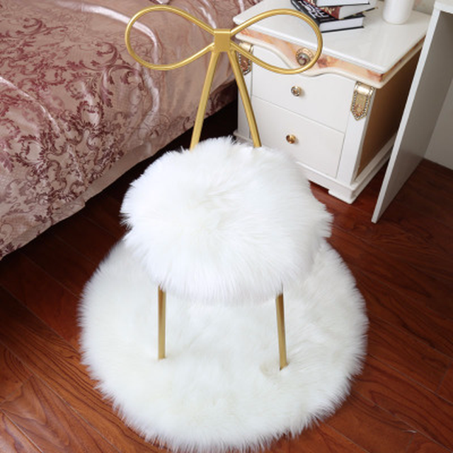 Top Luxury White Black Artificial Wool Parlor Carpet Living Room Faux Fur Rug Sofa Decorative Round
