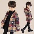 Otoño capa del muchacho ropa de cuadrícula niños celosía abrigo solapa de la chaqueta de moda de manga larga de los niños solo pecho