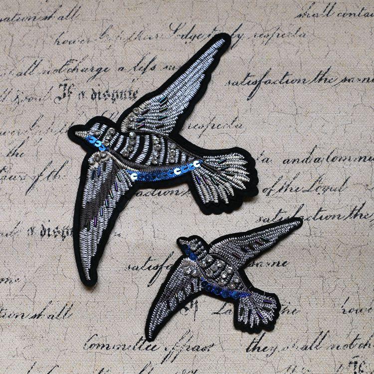 2 pcs Oiseaux paillettes perlée vintage de mode brodé patch coudre sur  paillette applique chandail ou sac décoration patch 553be10705ab