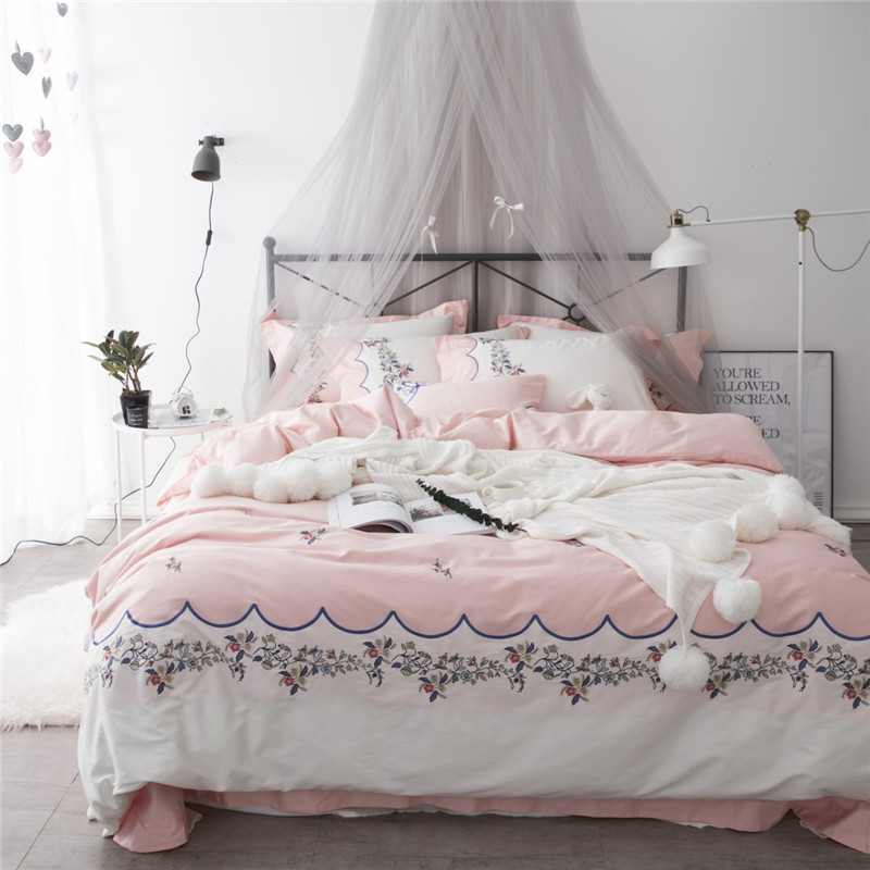 2018 girls Pink Bedclothes flowers Embroidery Bed Sheet Duvet Cover Sets 4pcs Queen King size Bedding Set2018 girls Pink Bedclothes flowers Embroidery Bed Sheet Duvet Cover Sets 4pcs Queen King size Bedding Set