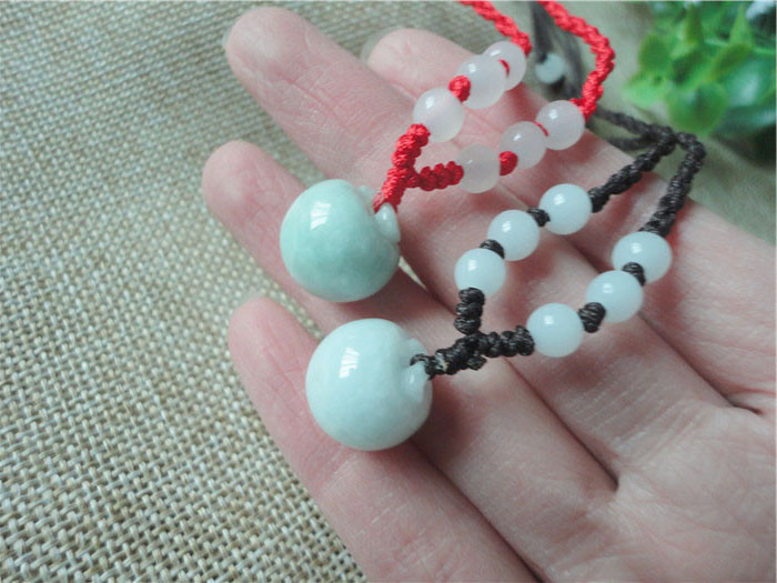 A level original Shi Chun hand-carved small apple pendant tie-in red rope necklaces charm men and women children design style