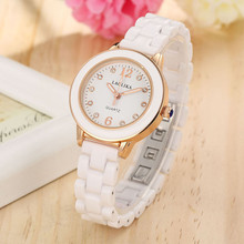цена на Luminous quartz ceramic female student watch female fashion watch 2018 fashion casual chronograph Bracelet Clasp