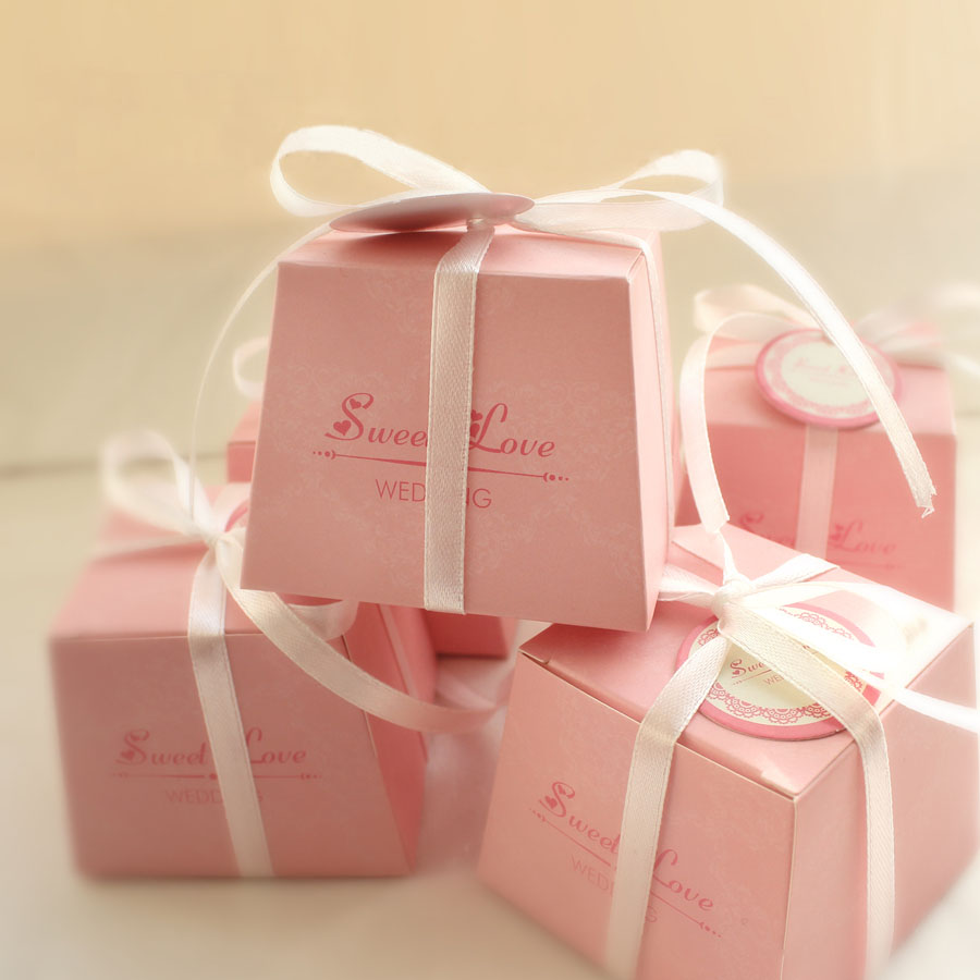 50pcs/lot Beautiful Fresh Style Wedding Candy Box With Ribbon And Card Solid Sweet Love Warm Pink Candy Box Party Favor Gift Box