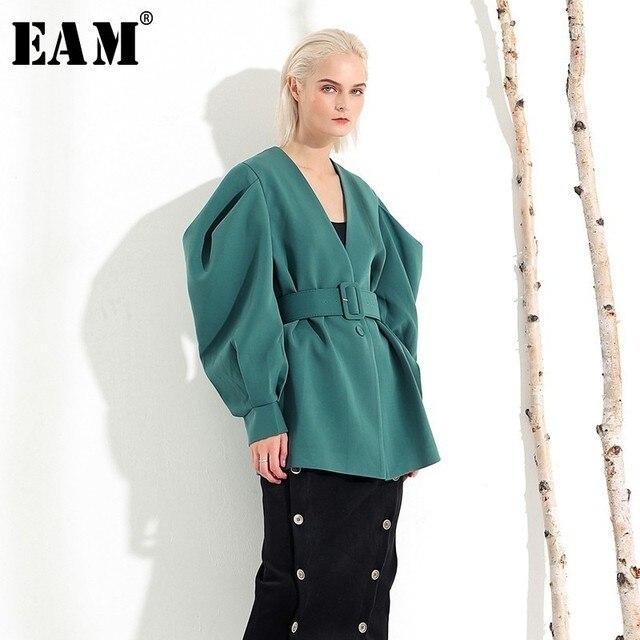 [EAM] 2020 חדש אביב סתיו V צווארון ארוך עטלף שרוול פי פיצול משותף ירוק רופף BandageJacket נשים מעיל אופנה JL083