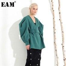 [EAM] 2020 nouveau printemps automne col en V manches longues chauve souris pli fendu Joint vert bandes lâches veste femmes manteau mode JL083