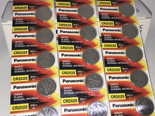 100PCS/LOT New Genuine Panasonic CR2025 2025 3V Button Cell Battery Coin Batteries For Watch Computer Free Shipping