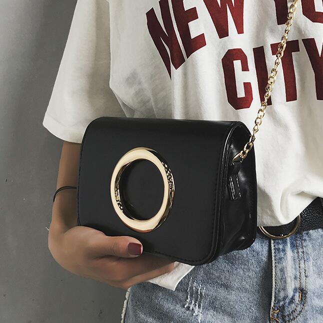 Moda retrò Nuovo sacchetto Femminile 2017 di Qualità PU Leather bag Donne Golden Circle Semplice Borsa A Tracolla A Catena Stereotipi Messenger bag