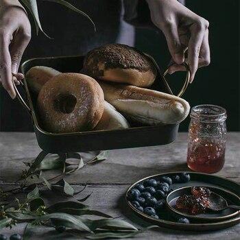 Винтажный античный круглый металлический сервировочный поднос, креативный Ретро дисковый хлебный лоток для хранения посуды, обеденные тарелки, посуда для дома