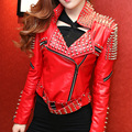 Оригинальный Дизайн Женщины ПАНК-Стиль Заклепки Красная Куртка Ручной Работы 1500 Ногти Мотоцикл Кожаной Jakcet Короткий Тонкий Дизайн Молнию Куртки