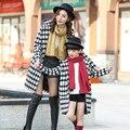 2016 família olha para as mulheres meninas de lã casaco de inverno mãe e filha combinando roupas clothing outfits crianças traje do natal