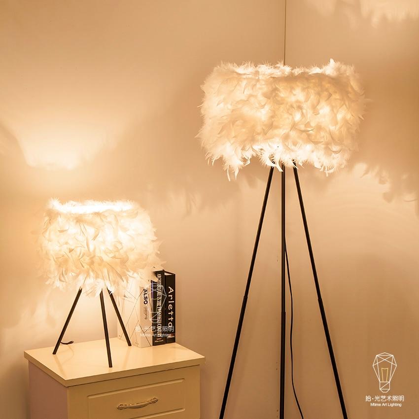 Перья настольные лампы A1 новые модные дизайнерские свадебные комнату теплой гостиной лампы лампа спальня ночники ZL355