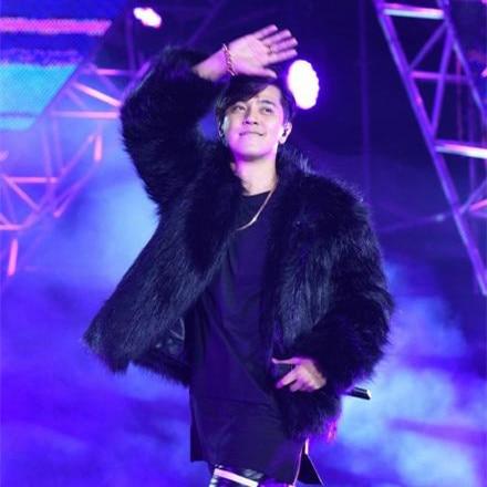 Autuman and Wineter Nightclub singer DJ  Male Short Design faux  fur overcoat stage show performance coatMen's fashion Fur Coat