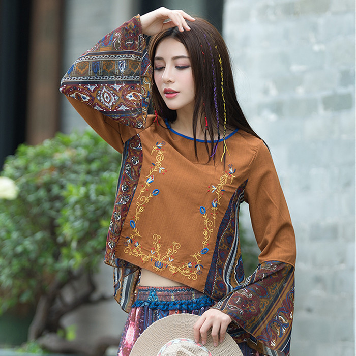 2018 Ethnic Style Flower Embroidered Blouse Women Summer Fashion O neck Flare Sleeve Loose Blouses Female Shirts Tops