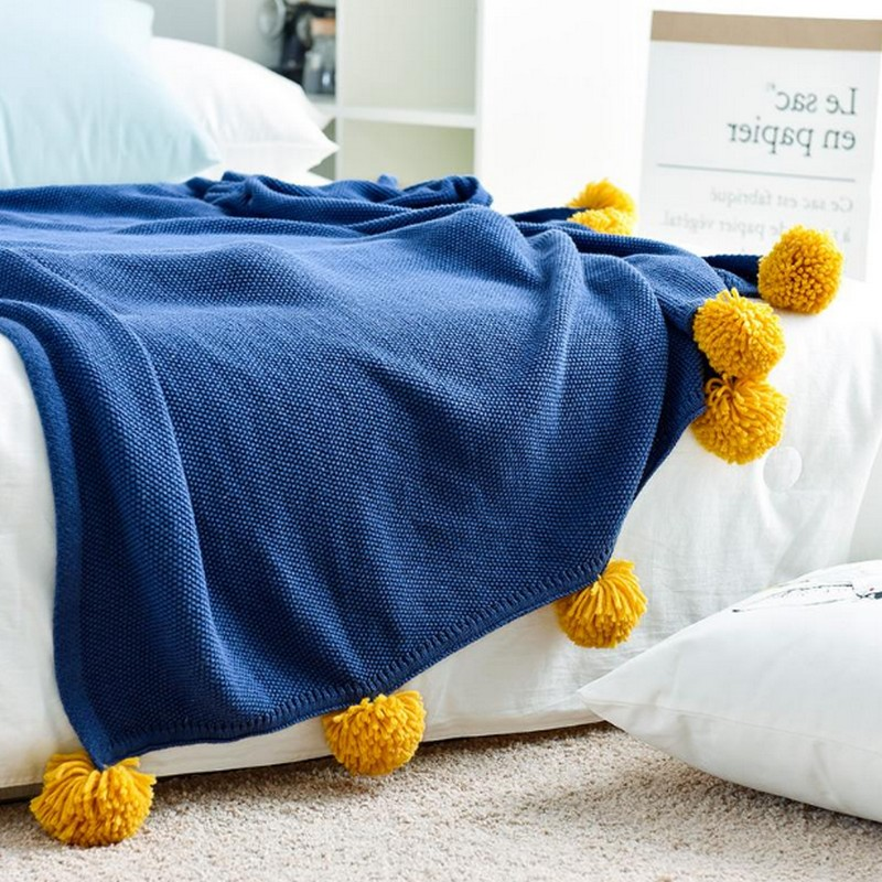 Leyangbaby Knitted Throw Blanket Handmade Knitted Sleeping Wrap Sofa Cozy Pompom Blanket Kids Adult Baby crocheted