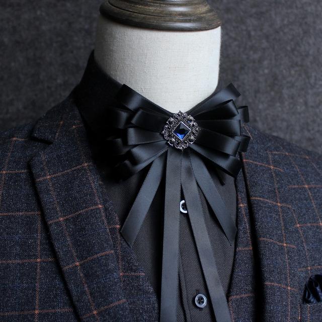 Novo Frete Grátis moda masculina casual masculino gola colarinho da camisa do vestido de casamento do noivo terno padrinho de casamento Do Vintage laço de diamantes em venda