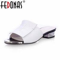 FEDONAS New Summer Chất Lượng Cao Gót Vuông Chính Hãng Giày Da Phụ Nữ Dép Ladies Flat Trắng Đen Phụ Nữ Chân Mở Dép