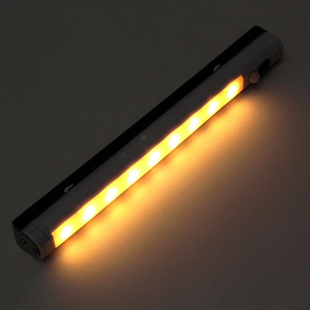 Bright 9 LED Battery Auto Human Body Motion Sensor Night Light Lamp Activated Wall Light