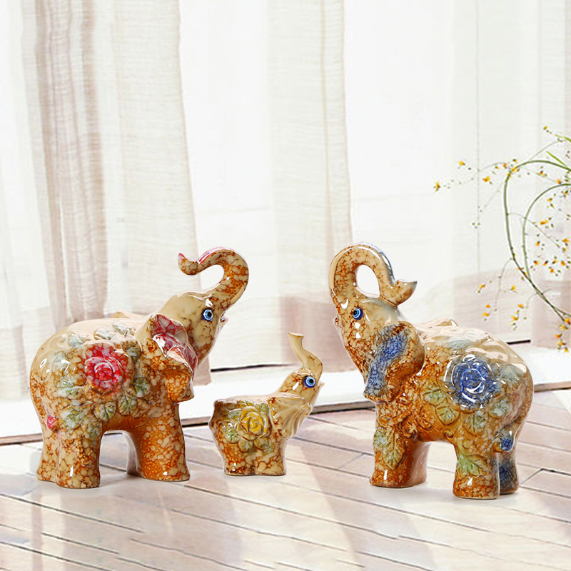 European Style Ceramic Animals Lucky Family Elephant Decoration Cartoon Ornaments Souvenirs Birthday Gifts Home Decor