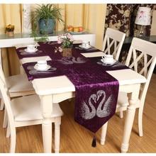 Fashion High Quality Velvet Fabric Soft Flocking Vintage Tea Dining Table Runner Flag Decorate for Home Parlor Restaurant
