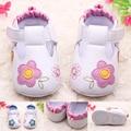 Новый PU Замши Новорожденный Девочка Мокасины Soft Moccs Детская Обувь Bebe Fringe Мягкой Подошве нескользящей Обуви детская кровать в Обуви