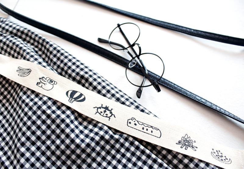 Fashion Design Plaid 2018 Elastic Waist Women Straight Pants Capris Cartoon Print Belt Calf Length Pants Summer Preppy Style 5