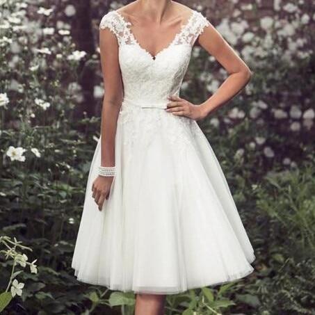Beach Elegant Tea Length Short Wedding Dresses Lace Cap Sleeves Appliques Wedding Gowns Tulle V Neck