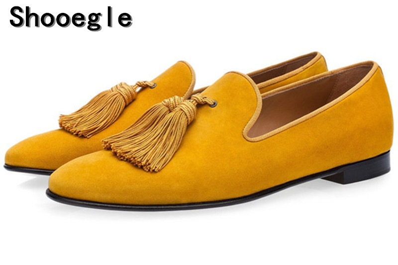 SHOOEGLE Luxury Suede Slippers Men Tassel Loafers Shoes Velour Smoking Slip-on Men's Flats Party Wedding Shoes Mens Dress Shoes suede slip on mens shoes