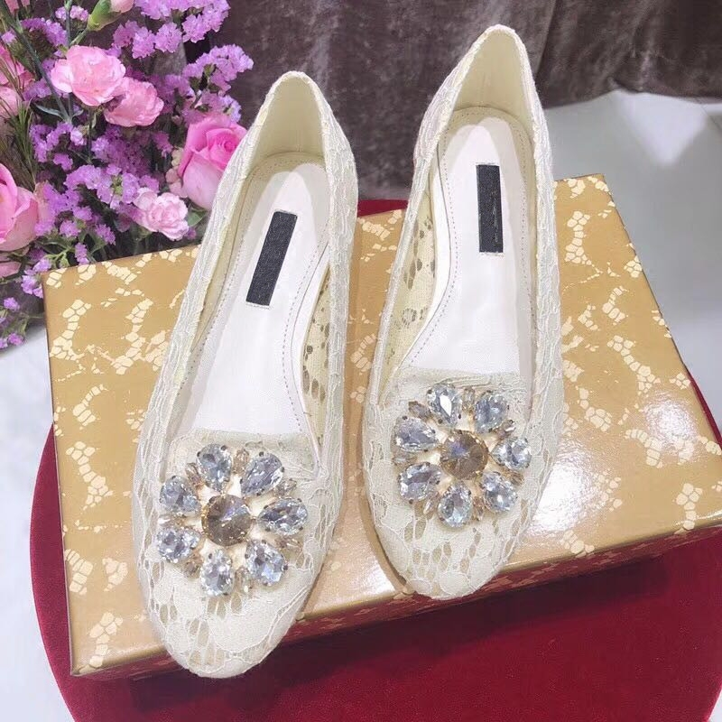 2018 New Style Woman Flats Sexy Lace Glitter Crystal Embellished Woman Shoes Round Toe Chic Lady Wedding Party Dress Hot Shoes