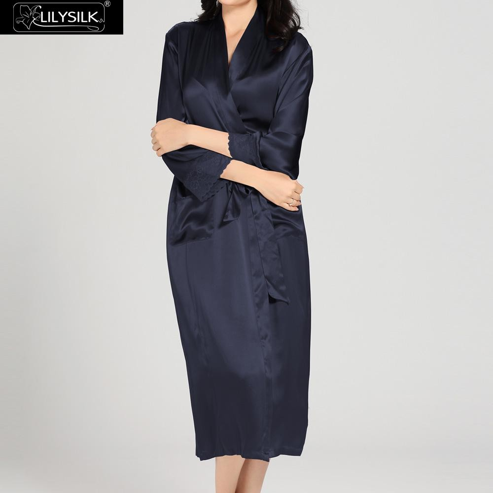 1000-navy-blue-22-momme-flowing-lace-silk-nightgown-&-dressing-gown-set-02