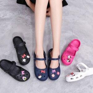 Image 2 - חדש הגעה נשים של קל דירות סנדלי קיץ זול Mule קבקבי גבירותיי בנות גן נעלי עבודת סיעוד כפכפים נעליים