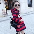 Девочек Полосы Балахон Детские Зимняя Одежда Флис Выстроились Длинные Кофты для Детей Девушки цельный Пуловеры Капюшоном 1201