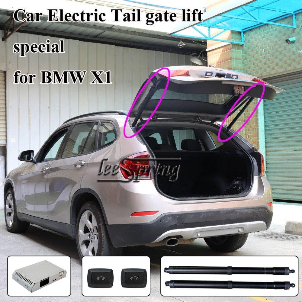 A porta traseira inteligente é para controle automático da abertura e do fechamento da porta traseia do carro BMW X1