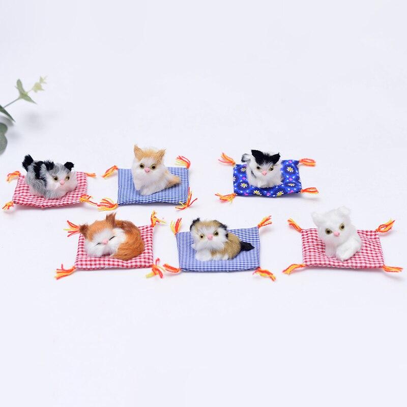 2 piezas/Mini de dibujos animados gato simulación realista encantadora gato Mat animales de peluche regalos para los niños a casa o decoración de coche Partes niños RC coches alemán Control remoto simulación juguete Tigre tanque para niño Mini regalo