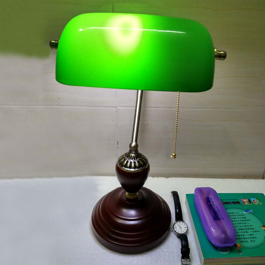 Delicieux Classic Retro Green Table Lamps With Pull Chain Switch Glass Lampshade Wood  Bracket Bedroom Bedside Office Vintage Desk Lamps In LED Table Lamps From  Lights ...
