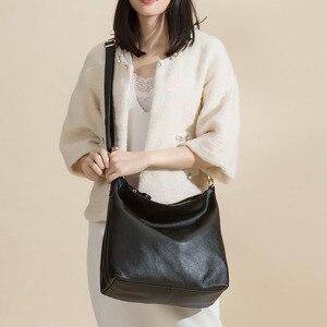 Image 3 - Женская Повседневная Сумка тоут Zency из 100% натуральной кожи, черная модная женская сумка мессенджер через плечо, элегантная сумка на плечо