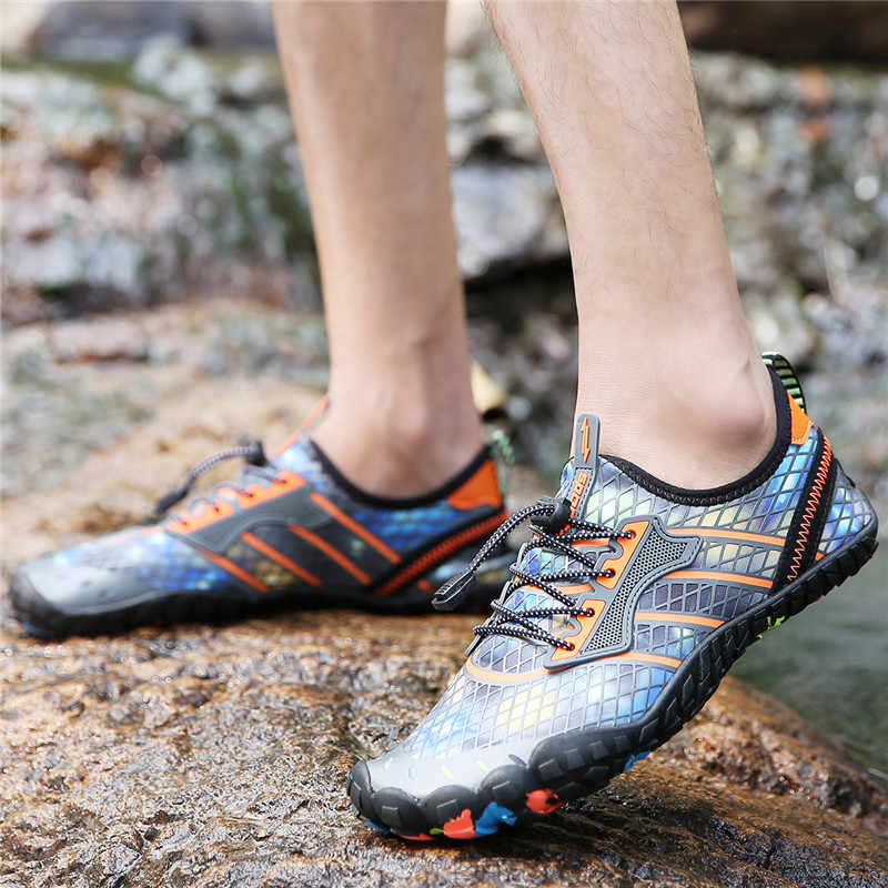 Yaz su ayakkabısı Erkek plaj sandaletleri Yukarı Aqua Ayakkabı Adam Çabuk Kuru Nehir Deniz Terlik Dalış Yüzme SocksTenis net ayakkabı