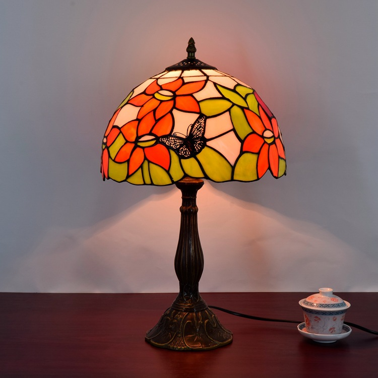 American country garden sunflower art bedroom bedside lamp Butterfly 12 inch lamp Tiffany stained glass eyeshield Desk Lamps e27