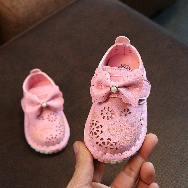 Koovan Children Leather Shoes 2018 Spring New Princess Baby Laser Flowers Single Baby Girl Birthday Shoes Baby Hollow Bow Flats