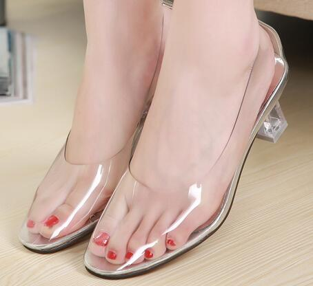 Genuine 2018 New Summer Women Fashion Shoes Body Crystal All Transparent  High-heeled Soft and Comfortable Transparent SandalsGenuine 2018 New Summer Women Fashion Shoes Body Crystal All Transparent  High-heeled Soft and Comfortable Transparent Sandals