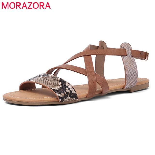 MORAZORA 2019 yaz sıcak satış plaj ayakkabısı kadın sandalet Yılan toka düz ayakkabı muhtasar rahat ayakkabılar kadın büyük boy 50