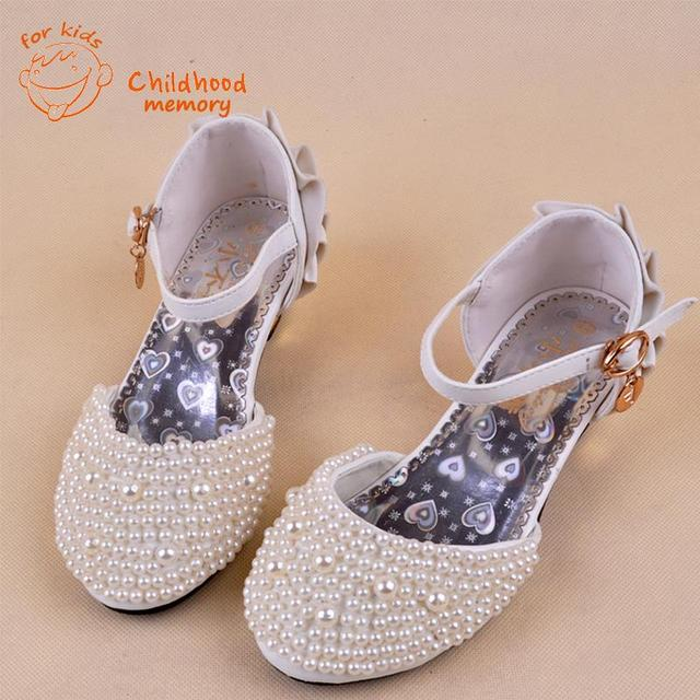 Shiny Pearls Baby Girls Princess Sandals 2016 New Summer Girl Wedding Baby  Shoes High Heels EuropeanMules Chaussure Enfant Fille c47ded4a31cf