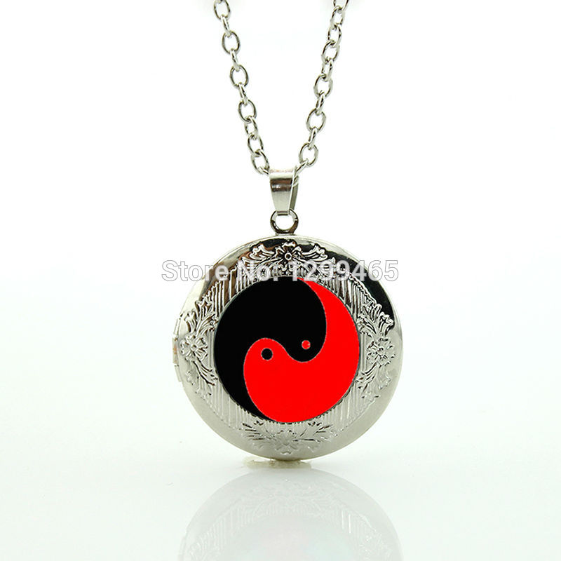 Chinese Taoism sign ancient Eight Diagrams jewelry Tai sun and moon Yin Yang locket pendant your finish choice N 928