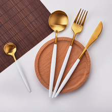 Купить с кэшбэком Hot Sale 4 Pcs/set White Gold european knife Dinnerware 304 Stainless Steel Western Cutlery Set Kitchen Food Tableware Dinner