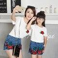Roupa nova Família Correspondência Mãe Filha Roupas Floral Impressão Moda Estilo Branco-manga Curta T-shirt + Calças