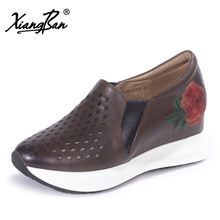 Xiangban Handmade embroidered flowers leather shoes women comfortable deep hollow hole women flat platform shoes