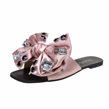 2009 New Sandals Female Summer Fashion Korean Version Baita Water Diamond Butterfly Knot Flat Bottom Anti-skid  slippers women