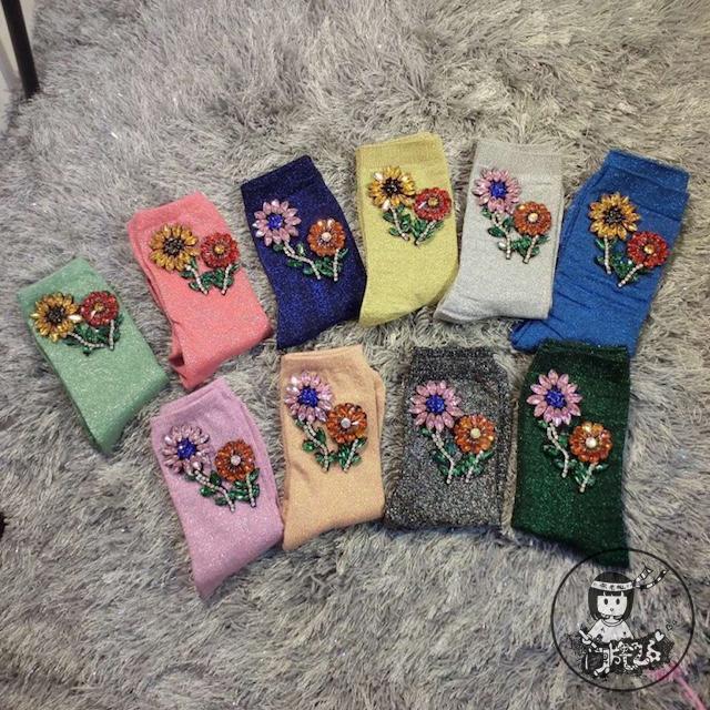 Calcetines de Mujer de Navidad Calcetines 2016 Calcetines de Mujer de Moda de gama Alta Diamante Hecho A Mano Flor de Color Caramelo Brillante Corto Montones de Tubos