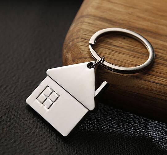 New Men Cute Cartoon House with Window keychain women cute Key chain Bag charm for party best gift Jewelry K2007 цены онлайн